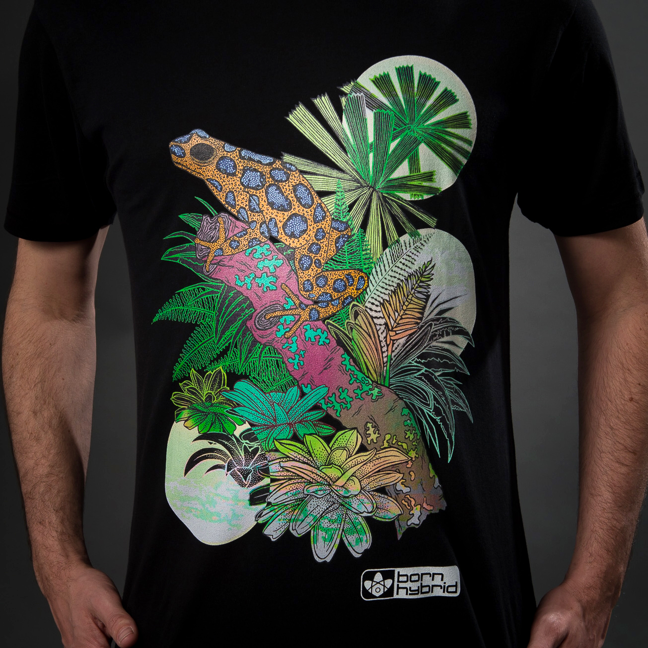 Organic cotton frog T-shirt graphic tee by Sustainable clothing brand Born Hybrid