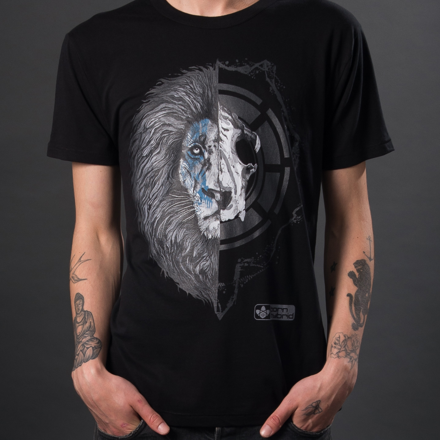 Lion graphic t-shirt in organic cotton by sustainable clothing brand Born Hybrid